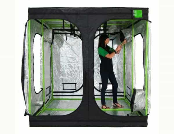 Attic cube 240 grow room Roof Qube