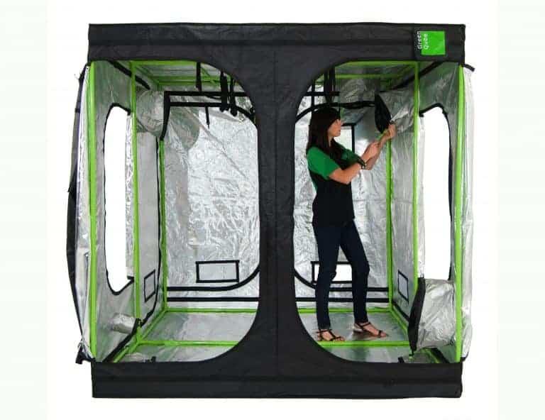 Attic cube 240 grow room Roof Qube